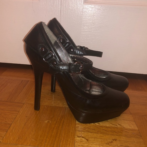 Bakers Shoes - Black Bakers Black Heels👠
